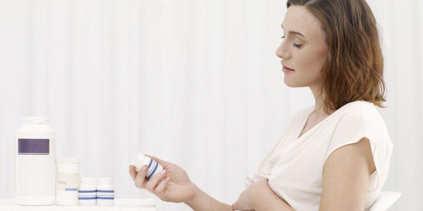 Mẹ uống Vitamin bầu không đủ cung cấp Vitamin D cho trẻ sơ sinh