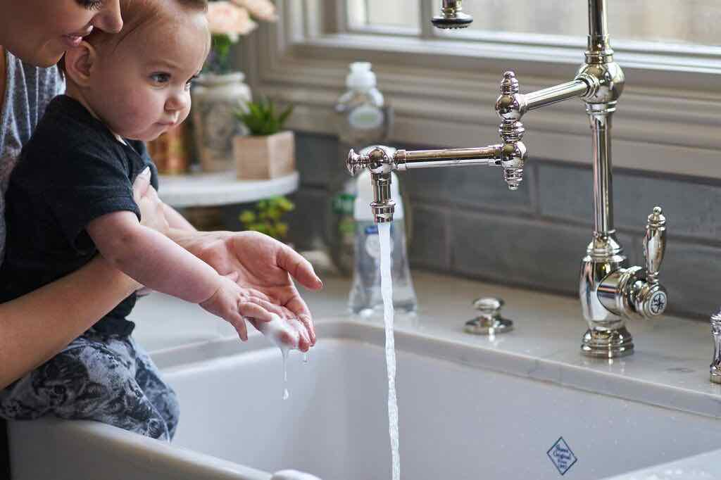 Rửa tay giúp đảm bảo dinh dưỡng 1000 ngày đầu tiên cho trẻ