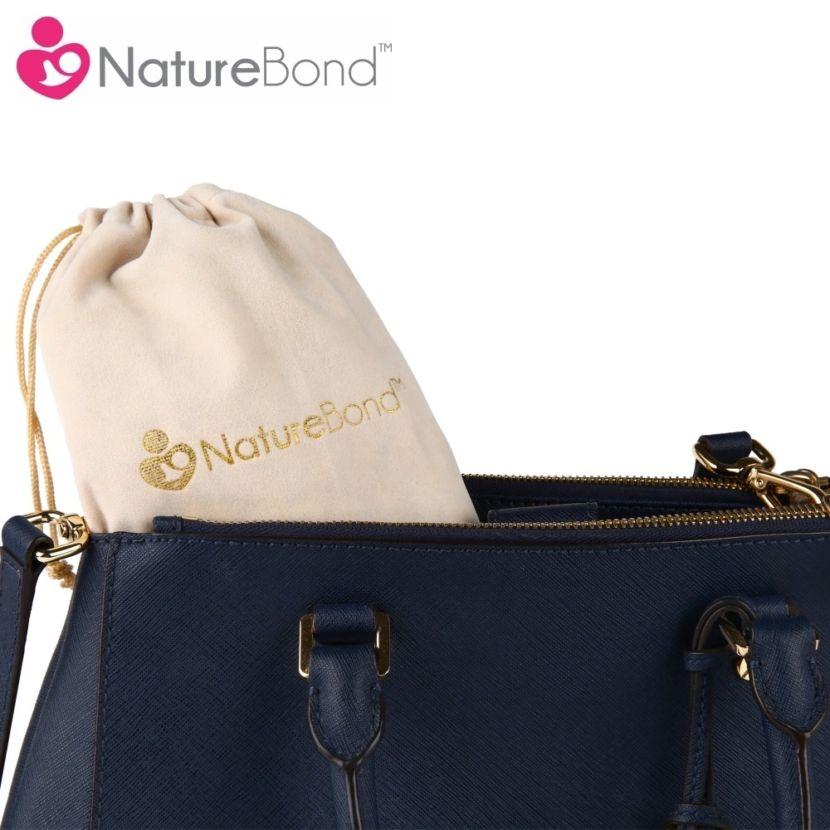 Cốc hút sữa NatureBond nhỏ gọn, mẹ có thể cho vào túi nhỏ dễ dàng