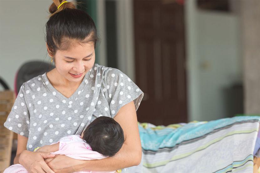 Khi mẹ bị bệnh, có nên cho con bú không - Milena