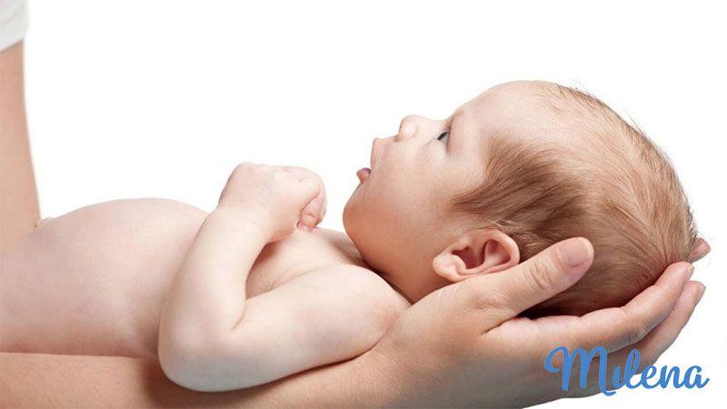 Đầu của trẻ rất mềm khi còn nhỏ
