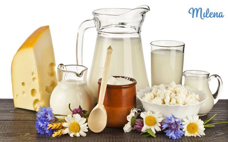 Thực phẩm từ sữa cung cấp nhiều dưỡng chấ thiết yếu ba tháng đầu thai kì