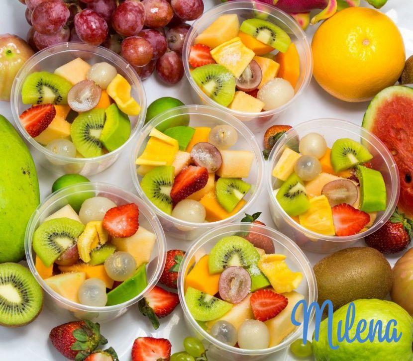 Ăn trái cây một mình